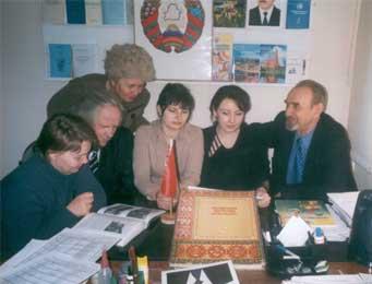 А.Майсюк с активистами центра